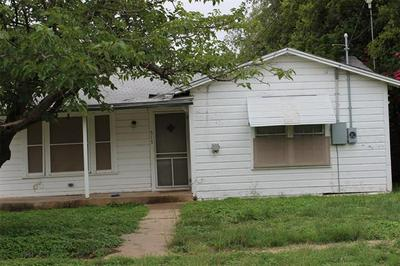 515 5TH AVE, Coleman, TX 76834 - Photo 1