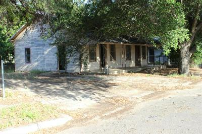 513 LLANO ST, Coleman, TX 76834 - Photo 1