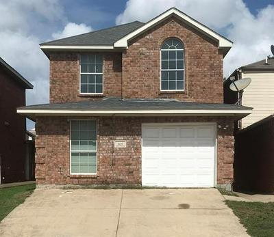 909 FAIRBANKS CIR, Duncanville, TX 75137 - Photo 1
