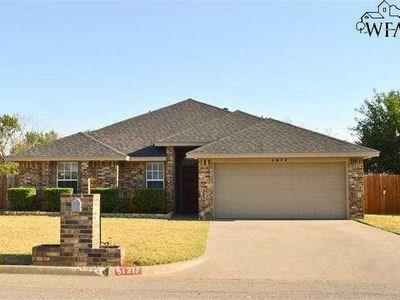 1217 PARLIAMENT ST, Burkburnett, TX 76354 - Photo 1