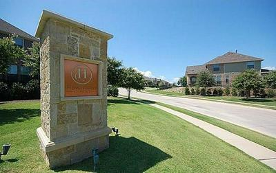10545 CHAUCER HILL LN, Irving, TX 75063 - Photo 2