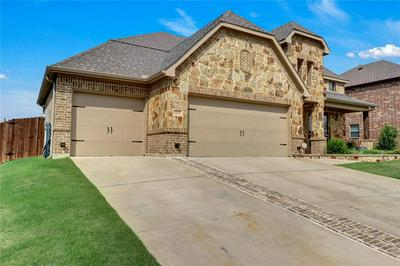 3213 MEADOW RIDGE DR, Midlothian, TX 76065 - Photo 2