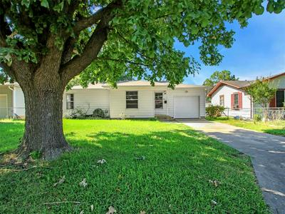 810 E SUMMIT ST, Sherman, TX 75090 - Photo 2
