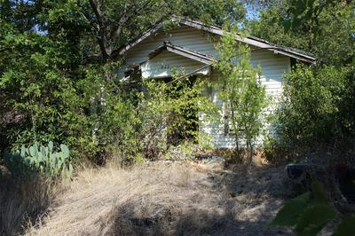 411 SAN MARCOS ST, Coleman, TX 76834 - Photo 2