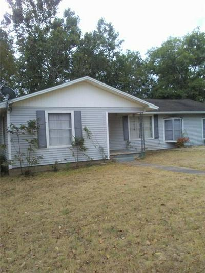 1302 W 15TH ST, CLIFTON, TX 76634 - Photo 1
