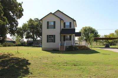 1412 E HIGHLAND AVE, Comanche, TX 76442 - Photo 1