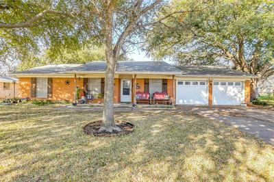 204 LESTER ST, BURLESON, TX 76028 - Photo 2