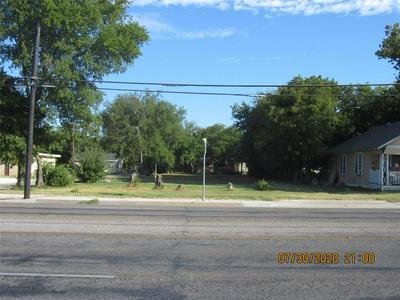 1001 E HENDERSON ST, Cleburne, TX 76031 - Photo 1
