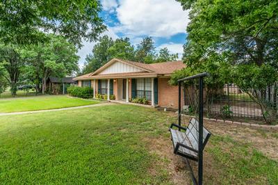 2803 BOIS D ARC ST, Commerce, TX 75428 - Photo 2
