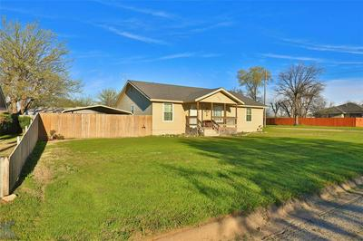 1009 N AVENUE H, HASKELL, TX 79521 - Photo 2