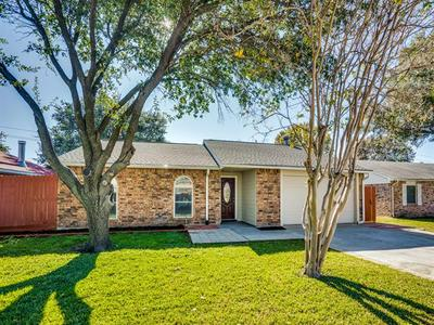 5308 BAKER DR, The Colony, TX 75056 - Photo 2