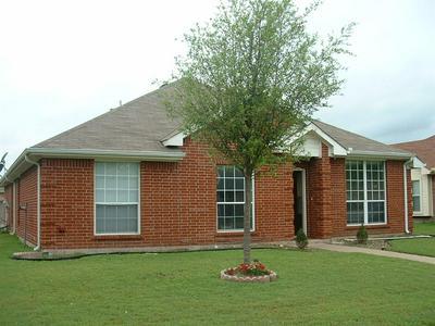 203 NOTTINGHAM DR, WAXAHACHIE, TX 75165 - Photo 1