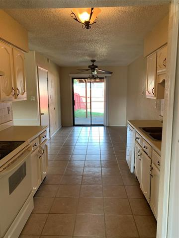 5652 TREGO ST, The Colony, TX 75056 - Photo 2