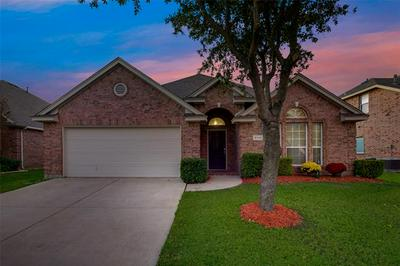 3116 GUADALOUPE, Grand Prairie, TX 75054 - Photo 2