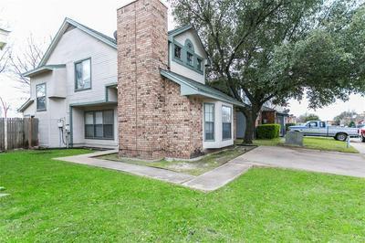 906 FAIRBANKS CIR, DUNCANVILLE, TX 75137 - Photo 2