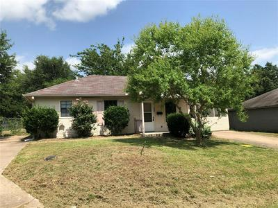 308 SMITH ST, Bonham, TX 75418 - Photo 1