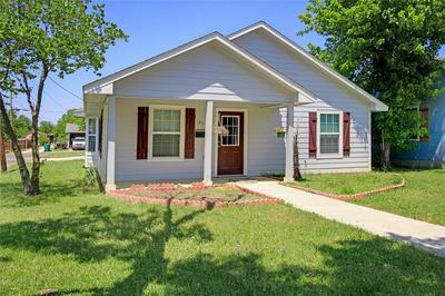 317 OTIS ST, Whitesboro, TX 76273 - Photo 2