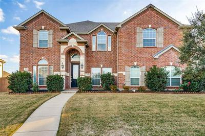 1232 CLEARBROOK DR, Kennedale, TX 76060 - Photo 2