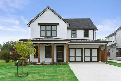 304 N PINE ST, Roanoke, TX 76262 - Photo 1