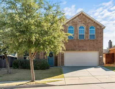 1041 LONG POINTE AVE, Fort Worth, TX 76108 - Photo 2
