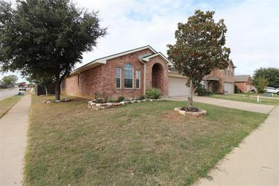 8416 PRAIRIE WIND TRL, Fort Worth, TX 76134 - Photo 2