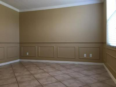 3351 RED MINE LN, Grand Prairie, TX 75052 - Photo 2