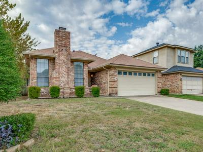7460 CROSS RIDGE CIR, Fort Worth, TX 76120 - Photo 2
