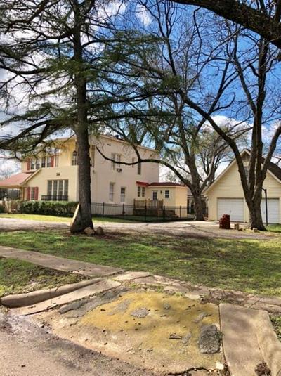 412 W SAN MARCOS, Wortham, TX 76693 - Photo 2