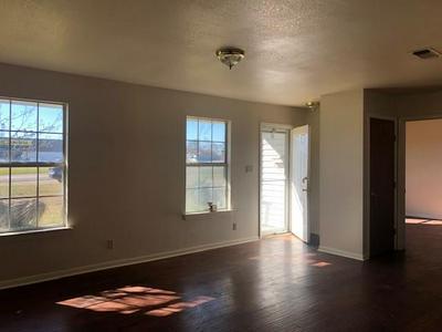 1095 E MAIN ST, Honey Grove, TX 75446 - Photo 2