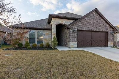 1629 TOWN CREEK CIR, Weatherford, TX 76086 - Photo 2
