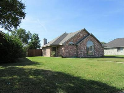 1302 OLD KNOLL DR, Wylie, TX 75098 - Photo 1
