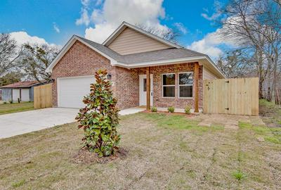 1105 CEDAR AVE, ALVARADO, TX 76009 - Photo 2
