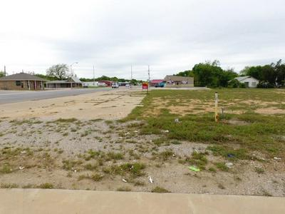 513 W MAIN ST, Eastland, TX 76448 - Photo 1