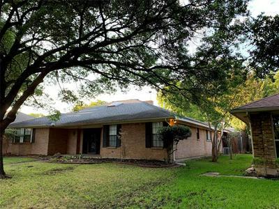 9735 TREVOR DR, Dallas, TX 75243 - Photo 2