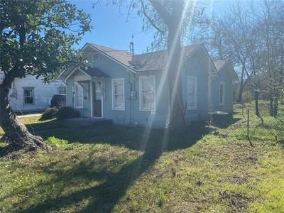 670 N CLINTON ST, STEPHENVILLE, TX 76401 - Photo 2