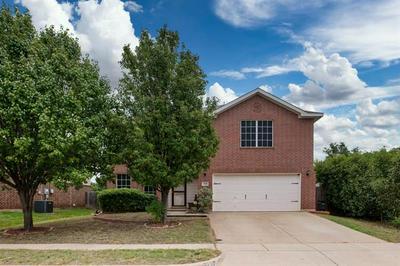 2333 ASH GROVE TRL, Fort Worth, TX 76112 - Photo 1