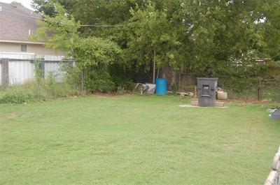 1613 COLEMAN AVE, Fort Worth, TX 76105 - Photo 2