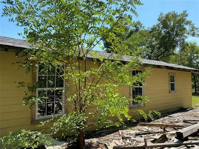 315 SMALLWOOD ST, Ranger, TX 76470 - Photo 2