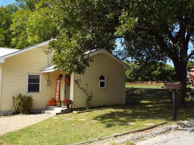 1301 S GREEN ST, Eastland, TX 76448 - Photo 1