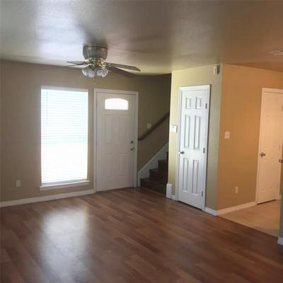 909 FAIRBANKS CIR, Duncanville, TX 75137 - Photo 2