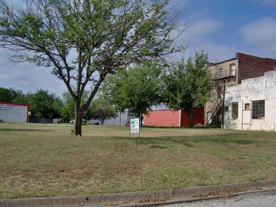 105 E OLIVE ST, Eastland, TX 76448 - Photo 1