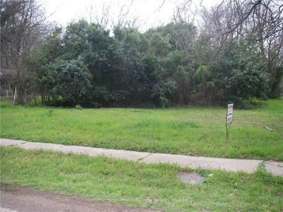 221 S PRICE ST, HAMILTON, TX 76531 - Photo 2