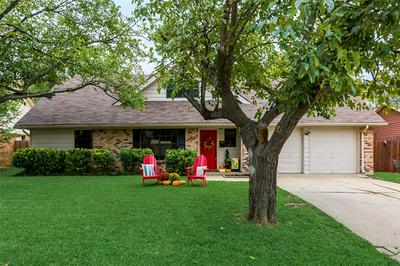 906 ROSEWOOD LN, Arlington, TX 76010 - Photo 2