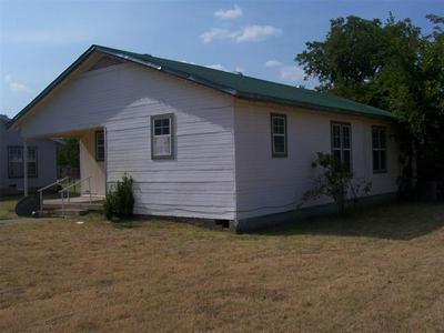 700 W WHEELER ST, Breckenridge, TX 76424 - Photo 2