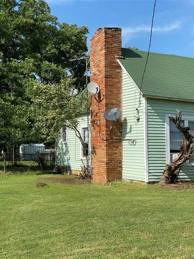 313 W BOYD AVE, Boyd, TX 76023 - Photo 2