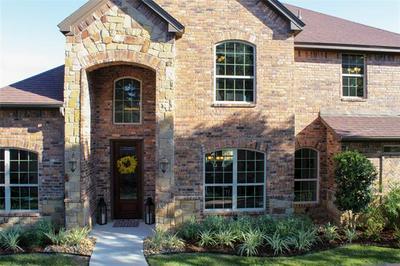 69 OAK HILL CIR, Brownwood, TX 76801 - Photo 2