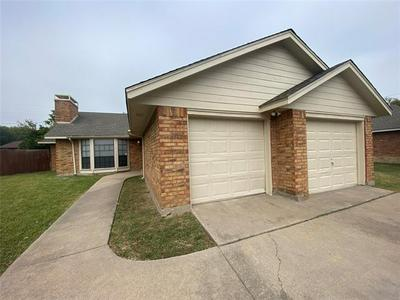 121 MESA MOOR DR, Glenn Heights, TX 75154 - Photo 1