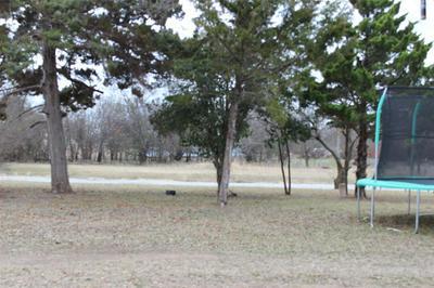 908 COMAL ST, COLEMAN, TX 76834 - Photo 2
