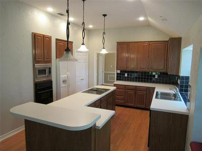 840 FERNWOOD CT, Highland Village, TX 75077 - Photo 2