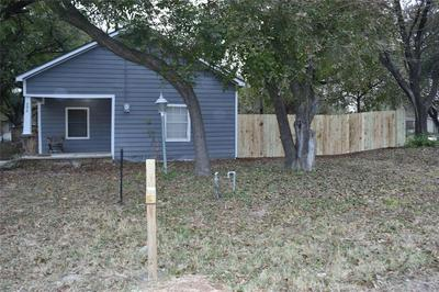 206 N BUFFALO ST, CHICO, TX 76431 - Photo 2
